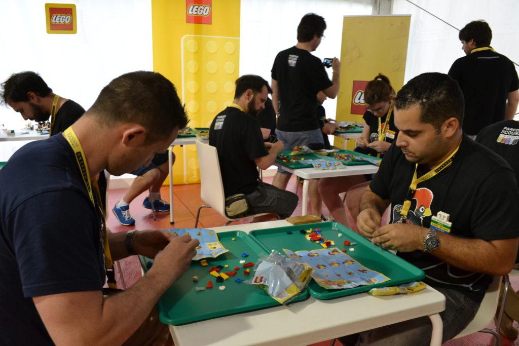 Paredes de Coura - Jeux (concours de rapidité de Richard avec le Brésilien Thiago Santos concentré)